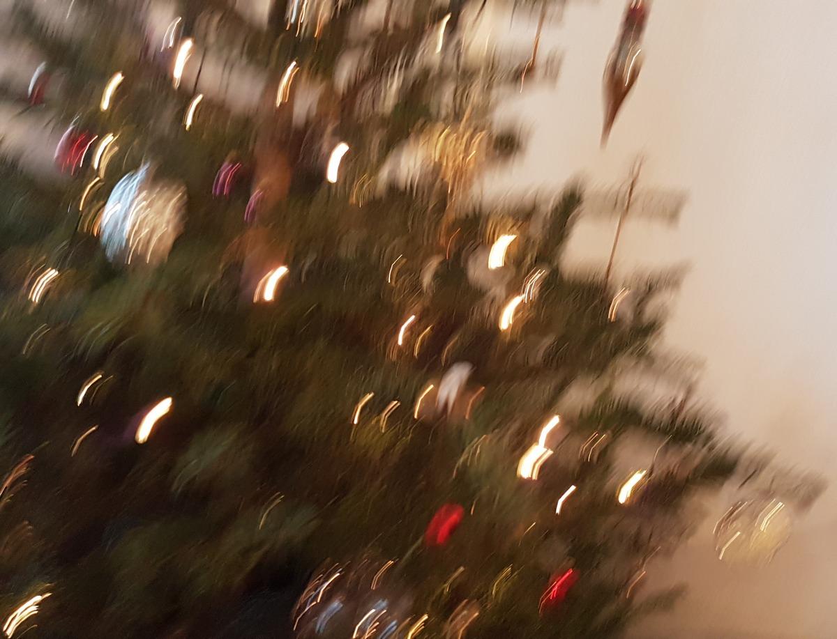 Geschmückter Weihnachtsbaum Unscharf, Tanzend